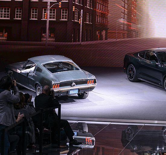 Der originale Ford Mustang GT Fastback aus dem Film Bullitt und ein neues Modell auf der NAIAS