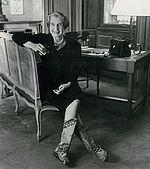 Jeanne Toussaint in ihren berühmten Stiefeln