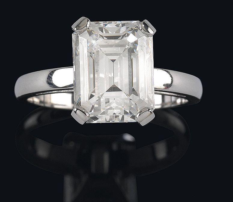 Verlobungsring lupenreiner Diamantsolitär