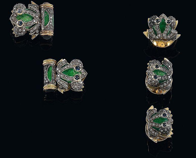 Manschettenknöpfe und Frackknöpfe aus Gold und Silber. mit Saphiren
