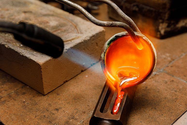 flüssige Goldlegierung